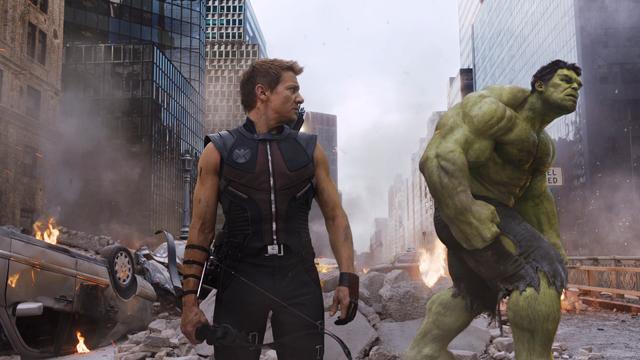 File:HawkEyeHulk-Avengers.png