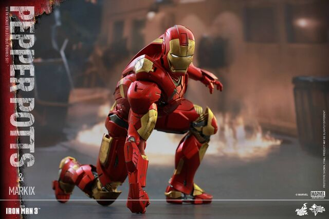 File:Iron Man Mark IX and Pepper Hot Toys 15.jpg