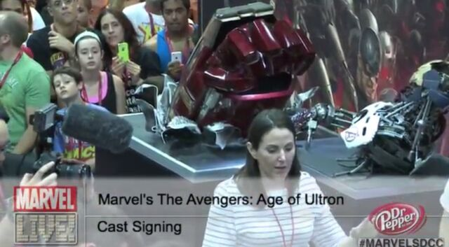 File:Hulkbuster Arm SDCC'14.jpg