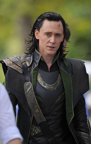 File:Loki+Scarlett+Johansson+Films+Avengers+2+UmoOBTsYSo1l.jpg