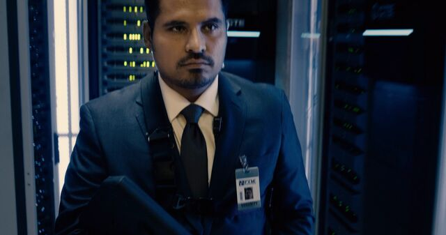 File:Luis Security Guard Ant-Man.jpg