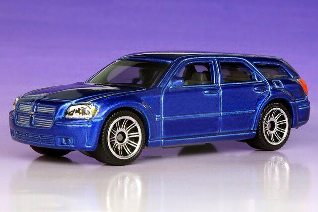File:Dodge Magnum FE - 4843hf.jpg