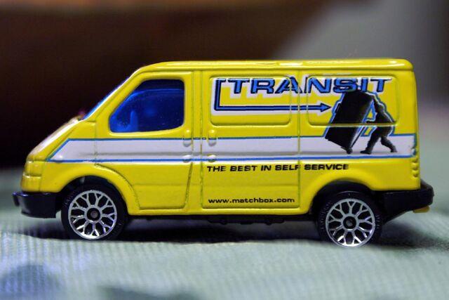 File:2005 Matchbox Ford Transit - 0221cf.jpg