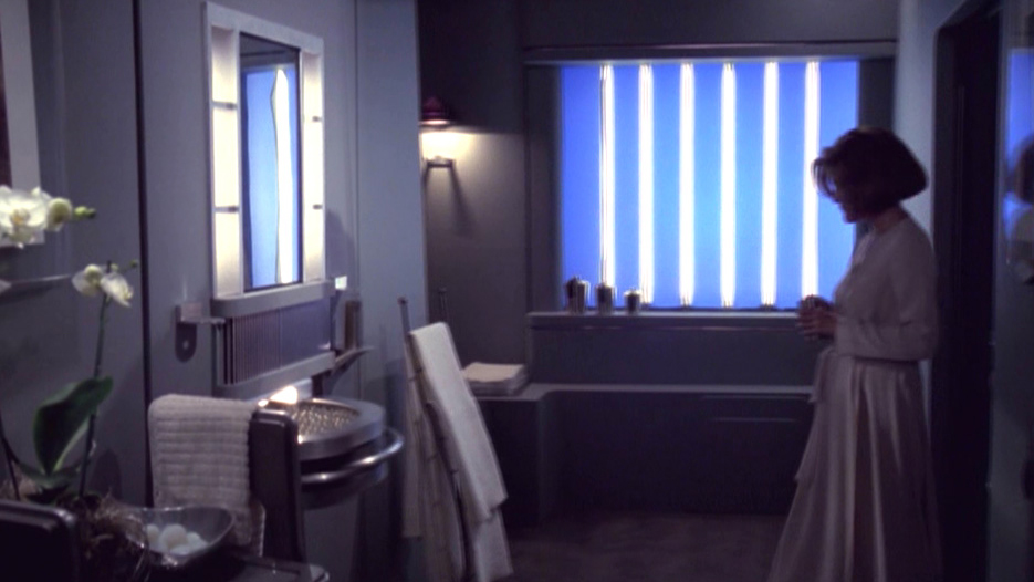 Why didnt Voyager have a mess hall Why did Neelix have to – Star Trek Bedroom