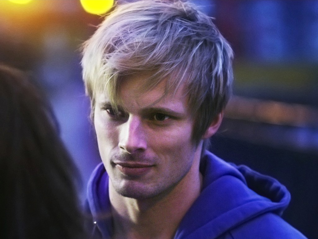 bradley single girls On thursday morning (august 16, 2018) the sun-times reported the 34-year-old actor bradley james and his girlfriend, to be shopping for engagement rings naturally, the article sent the.