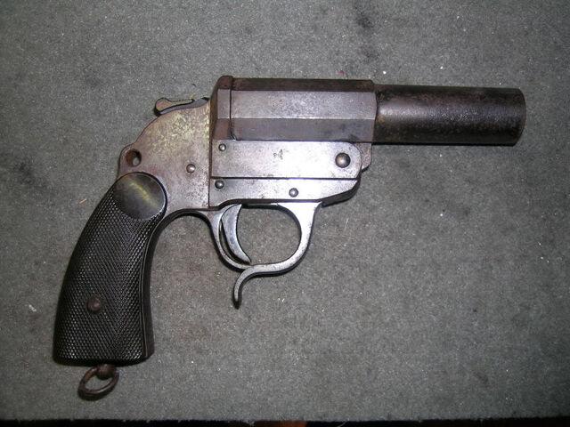 File:Kampfpistole.jpg