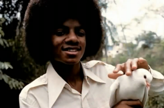 File:Michael Jackson with Dove.png