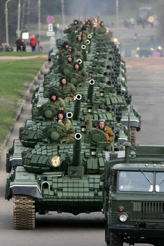 File:T72b minsk parade may 2005 1.jpg
