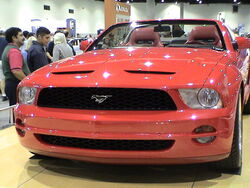 800px-2005 Ford Mustang convertible concept (exterior)