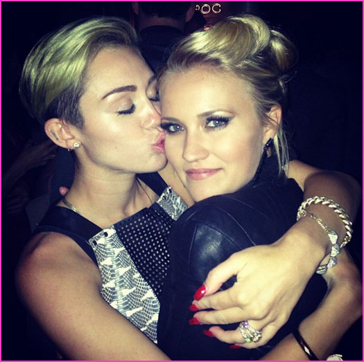 Emily Osment And Miley Cyrus Full resolution