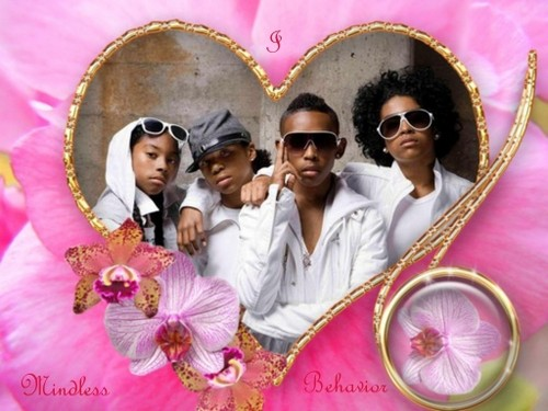 File:Roc-Royal-with-MB-roc-royal-mindless-behavior-28554763-500-375.jpg