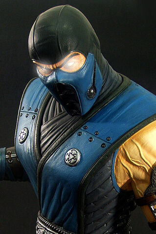 File:Sub-zero SC premium collectible2.jpg