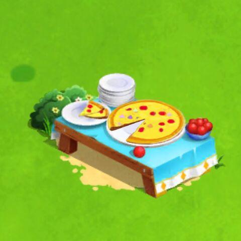 File:Pizza Table.jpeg