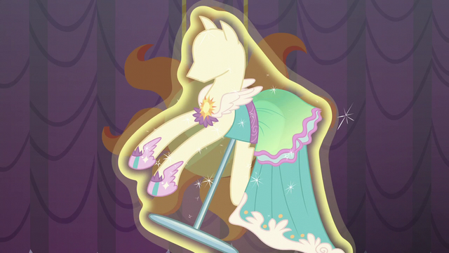 "File:The dress ""Tripping the Light"" S5E14.png"