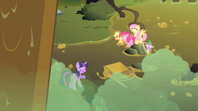 File:Behind you Twilight S1E15.png