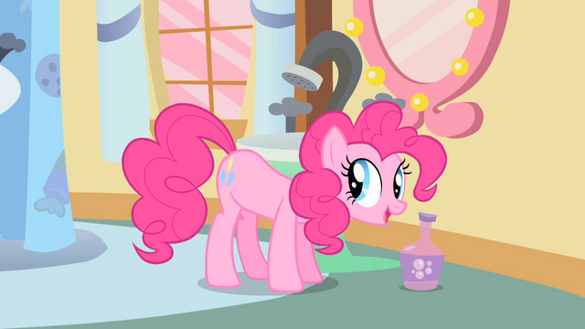 File:Pinkie Pie explaining the sign of a lucky day S1E15.png