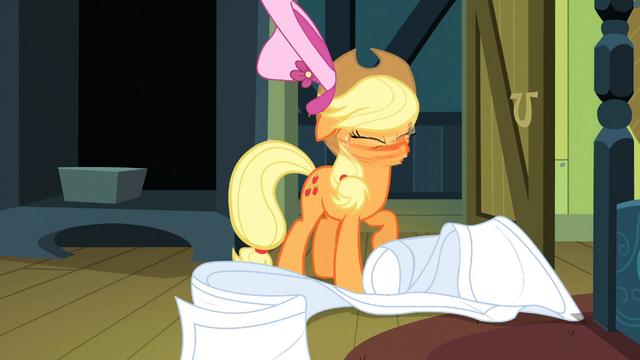 File:Applejack shaking off hat S3E4.png