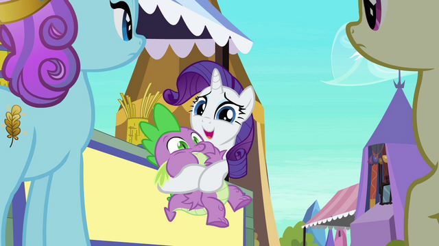 File:Rarity holds Spike S3E2.png