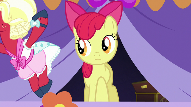 File:Orchard Blossom prancing on stage S5E17.png