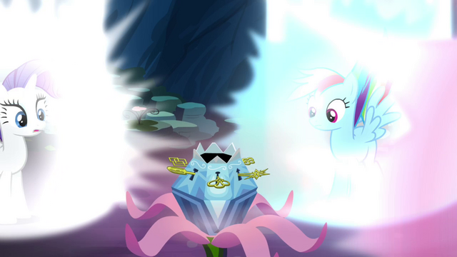 File:Rarity and Rainbow looking at the chest S4E26.png