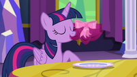 "Twilight ""without using magic..."" S06E06"