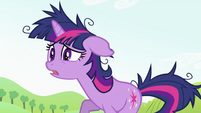 "Twilight Sparkle ""C'mon girls"" S2E03"