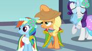 Applejack putting hat on S2E26