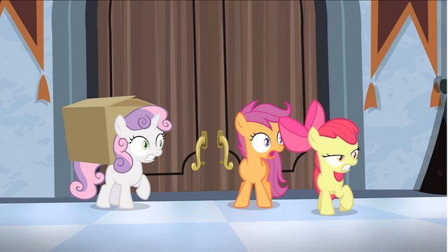 File:Surprised CMC with box S4E19.png