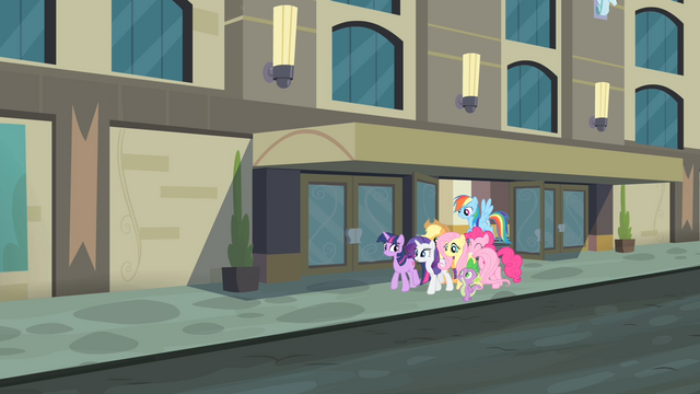 File:The main cast walking together S4E08.png