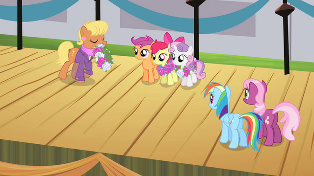 File:CMC receiving winners' wreaths S4E05.png