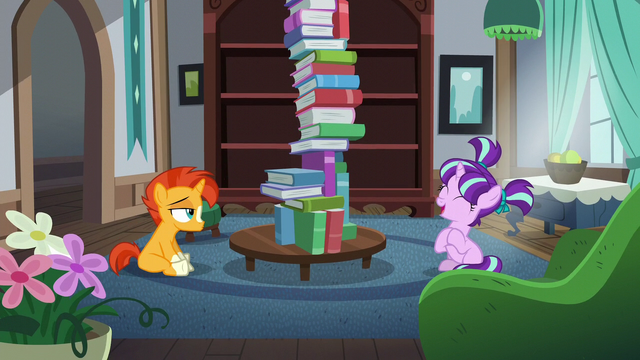 File:Filly Starlight claps her hoof for her friend Sunburst S5E26.png