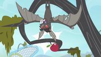 The bat wakes up S4E07