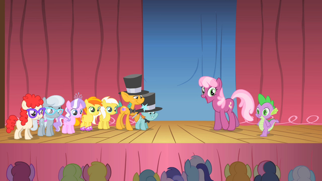 File:Twist Talent Show S1E18.png