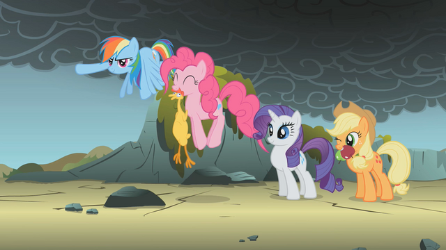 File:Everypony is ready S01E07.png