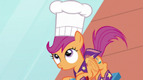 Scootaloo suddenly in a chef's hat S5E4