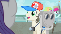 Tourist thanks Rarity S4E08