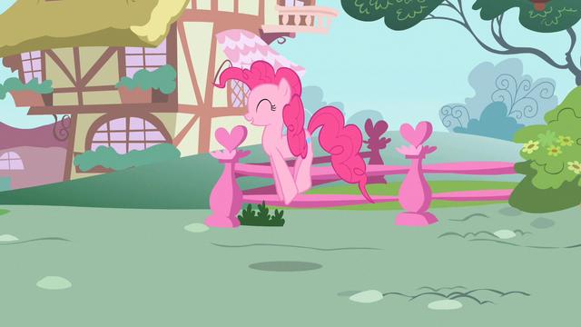 File:Pinkie Pie pick me pick me S2E13.png