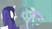 Rarity looking at her reflection in the window S4E08