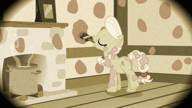 File:Granny Smith painting polka dots S2E12.png
