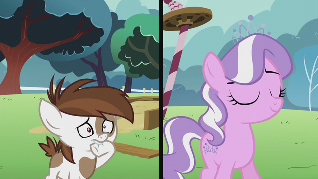 File:Pipsqueak nervous; Diamond Tiara looking determined S5E18.png