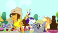 Cheese Sandwich walking with Rarity and Applejack S4E12.png