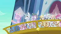 Cadance raising hoof on balcony S3E2
