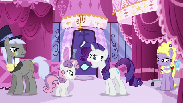 File:Rarity shouting in Carousel Boutique S6E14.png