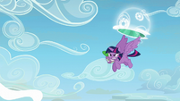 Twilight flies out of the portal again S5E26