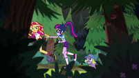 Sunset Shimmer pulling Twilight by the arm EG4