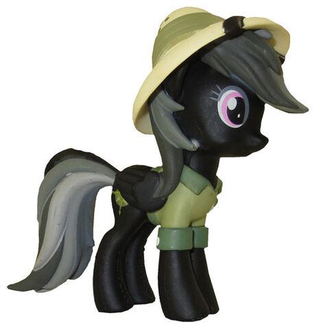 File:Funko Daring Do black vinyl figurine.jpg