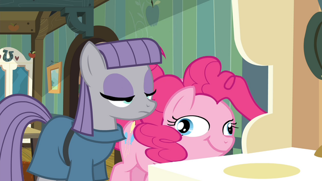 File:Pinkie Pie running for cider S4E18.png