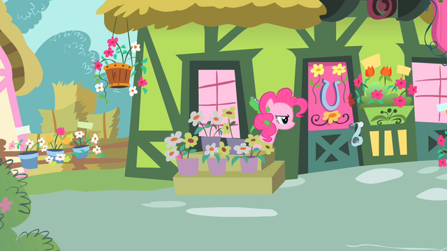 File:Pinkie Pie spying S1E25.png