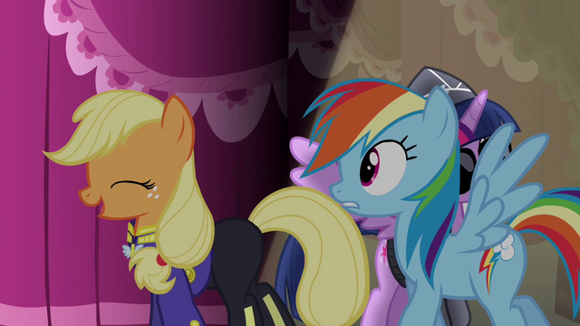 "File:Applejack ""Oh, I got nothing"" S4E21.png"