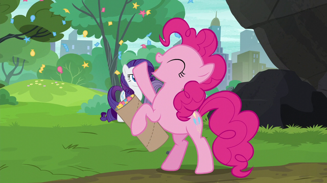 File:Pinkie Pie playing with her confetti S6E3.png